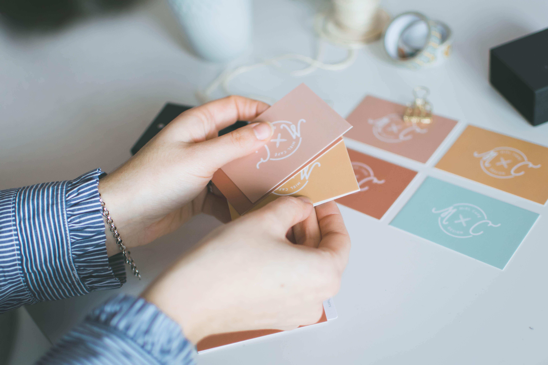 Servizio di Stationery Per Brand Biglietti Da Visita Personalizzati - Miel Café Design