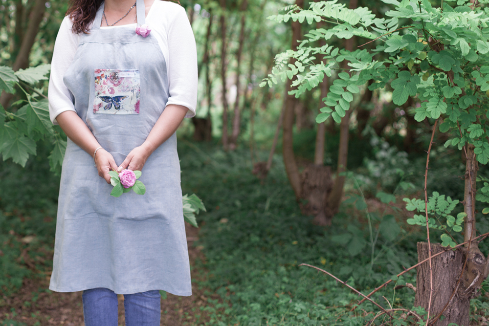 Make art usable & wearable - aprons for creatives Valeria Rosa e Turchese