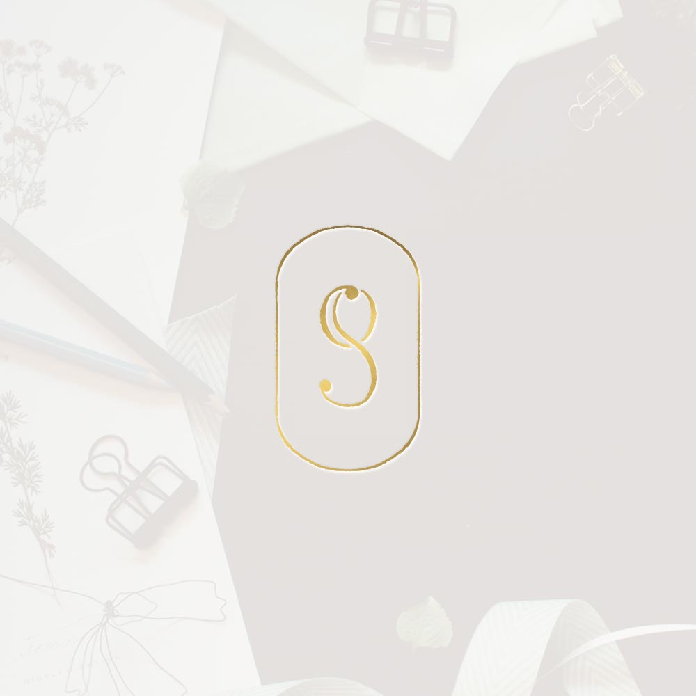 Oval monogram wedding planner logo and branding Un Giorno Su Misura
